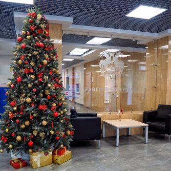 Новогоднее украшение офиса ФАУ «Главгосэкспертиза России»