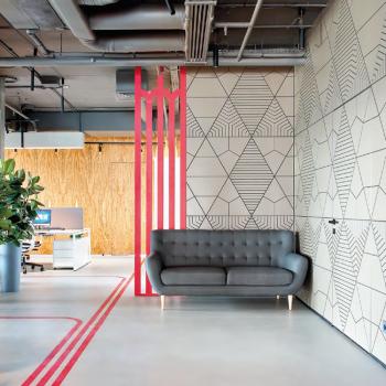 Интерьер офиса в стиле LETO – дверь в другой мир