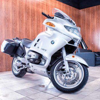 BMW анонсировала сервис аренды мотоциклов в России