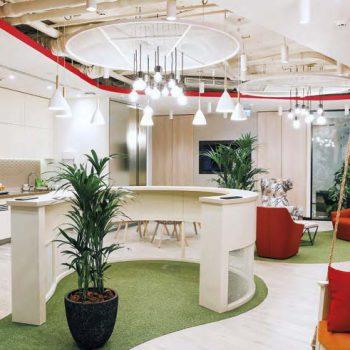 Разноообразие цветовых решений для повышения эффективности и комфорта работы сотрудников