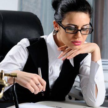 Женщины моложе 35 лет предпочитают карьеру личной жизни – опрос