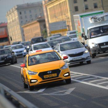 Такси запретят ездит по выделенным полосам