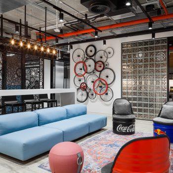 """Порядок и свобода, взаимодействие и приватность офиса AvitoTech. Номинация """"Лучший новый офис"""""""