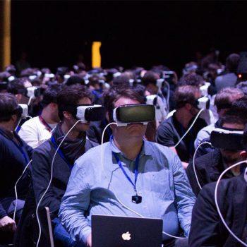 Цукерберг предлагает заменить присутствие в офисе и удаленку виртуальной идополненной реальностю